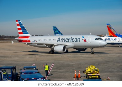 CHARLOTTE / USA - MARCH 2017 American Airlines Airbus A320-214, N128UW, cn 4242  slowly taxiing to the gate. Originally del to US Airways in march 2010.