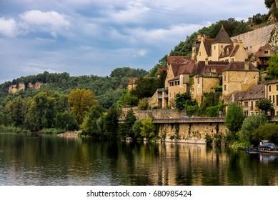 Chateau de Beynac, village of Beynac-et-Cazenac, view from Dordogne River, Perigord, Dordogne, France