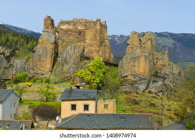 The Chateau de Querigut (also known as the chateau du Donezan) is mentioned in a text going back to 1208. Querigut located in the department of Ariege, in the region of Occitania, Pyrenees, France