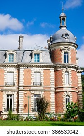 The Chateau De Trousse-Barriere is situated in the village of Briare-le-canal in France. Today it is used mainly for art exhibitions which can get visited.