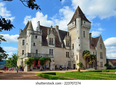 Small castle images stock photos vectors shutterstock for Small chateau