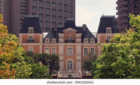Chateau Jouel Robuchon, a replica of a french chateau by Louis XIV in Yebisu Garden Place. Several restaurants are located in the builing.