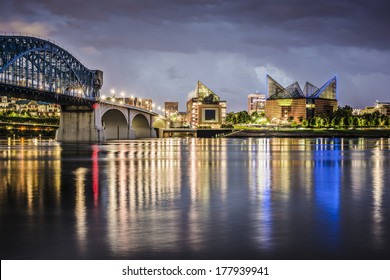 Chattanooga, Tennessee, USA downtown across the Tennessee River.