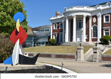 CHATTANOOGA, TN - OCT 5: The Faxon-Thomas Mansion, the original Hunter Museum of American Art, in Chattanooga, Tennessee, on Oct 5, 2016. It is on the list of National Register of Historic Places.