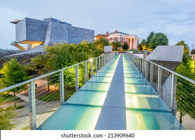 CHATTANOOGA, TN/USA - AUGUST 10: Hunter Museum from glass pedestrian bridge at dusk on August 10th 2014 in Chattanooga.