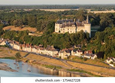 Château de Chaumont-sur-Loire et village vu du ciel, département du Loir-et-Cher (41), région du Centre-Val de Loire, France