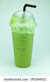 Cheap drinks popular In plastic drinking glasses