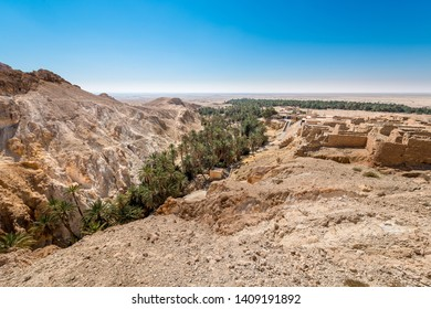 """Chebika lies at the foot of the mountains of the Djebel el Negueb and it is known as Qasr el-Shams (""""Castle of the Sun"""" in Arabic)."""