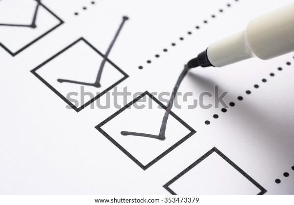 Checkliste und Marker
