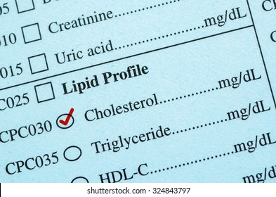 Check mark on Medical check list Cholesterol, triglyceride in the laboratory.