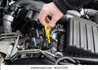check the oil  in modern car motor