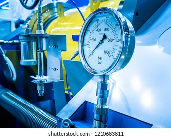 Check the pressure in the pipes. Pressure gauge. Production. Production technology. Control systems Energy.