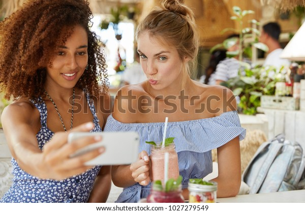 Lesbians in each other smoo
