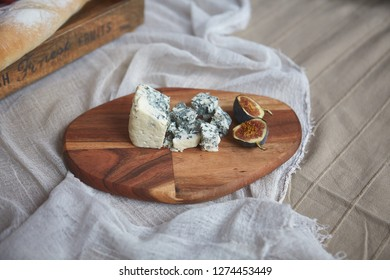 Cheese Camembert with figs