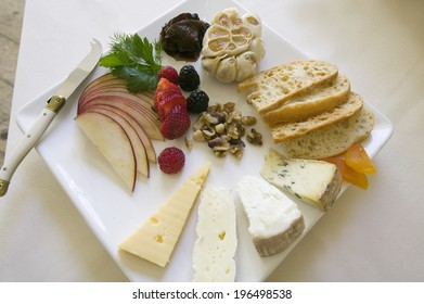 Cheese and Fruit Appetizer Plate