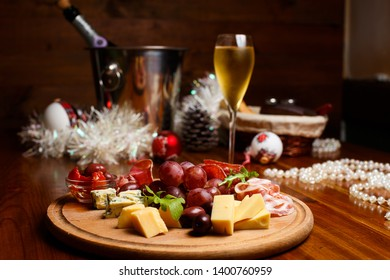 cheese and meat cutting to the New Year's table