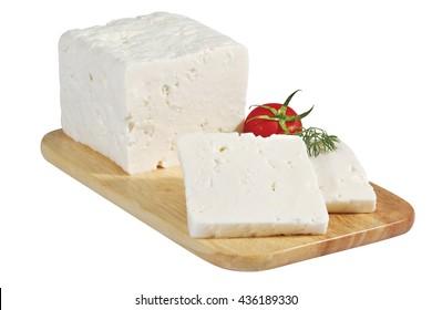 Käse auf Holzbrett einzeln auf Weiß