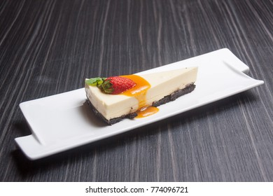 Cheese Puding with Strawbery
