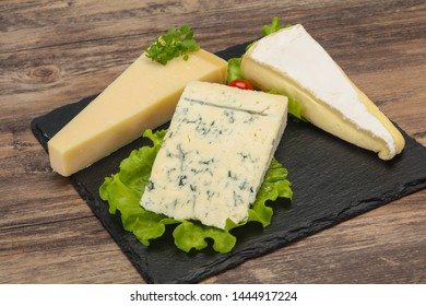 Cheese triangle mix - gorgonzola, brie and parmesan