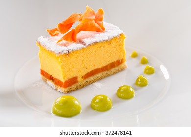 cheesecake with carrot chips