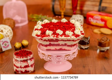 cheesecake in a jar with red velvet