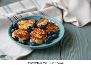 Cheesecakes with blueberries