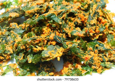 Cheezy Kale Chips