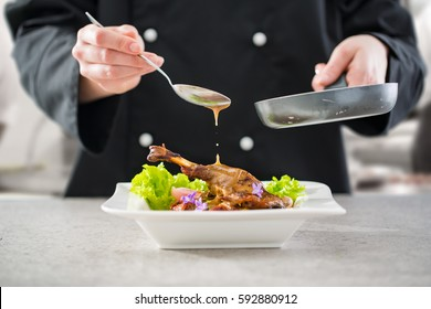 chef cooking restaurant food sauce