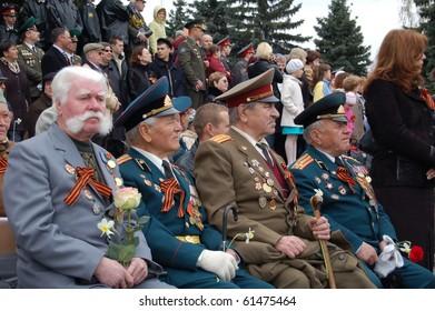 CHELYABINSK, RUSSIA - MAY 9: Veterans of war on parade victory on May 9, 2010 in Chelyabinsk, Russia