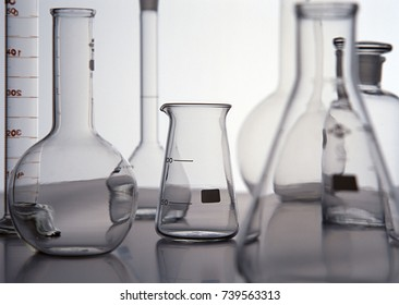 Chemical experimental material
