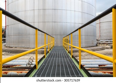 Chemical industry walkway with  fuel storage tank cladding Insulation.