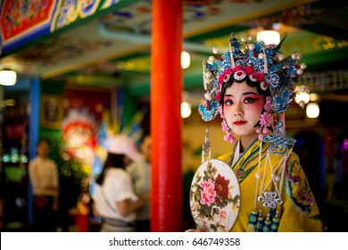 CHENGDU,SICHUAN/CHINA - MAY 09 : unidentified actress dresses up in traditional Chinese costume on May 09,2017 in Chengdu , China .