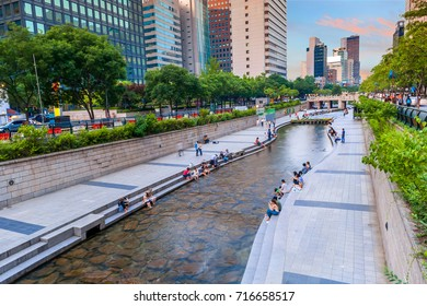 Cheonggyecheon Stream Park with Crowd relax in Seoul City, South Korea.
