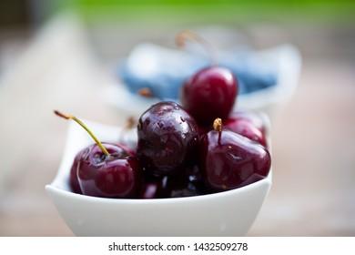 Cherries in a bowl, macro, big cherries
