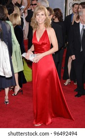CHERYL HINES at the 63rd Annual Golden Globe Awards at the Beverly Hilton Hotel. January 16, 2006  Beverly Hills, CA  2006 Paul Smith / Featureflash