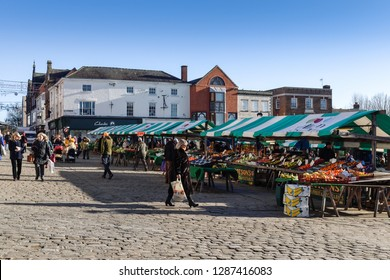 Chesterfield,Derbyshire,UK. January 17th 2019. The ancient market takes place on Thursday's in the town centre,today is a flee market others days of the week are for fresh proudcue