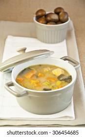 Chestnut soup stew, pot, cooked, boiled, pumpkin, carrot, leek, spinach, food vegetarian, food vegan, recipe hot