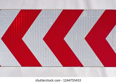 Chevron warning traffic sign red arrows