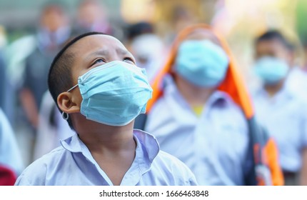 Chiang Mai, Thailand: 3,2020 March - School children wearing mask for protect corona virus in school. Measures to prevent the spread of COVID-19 (corona virus) at schools in Chiang Mai City