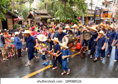 CHIANG MAI THAILAND - APRIL 13 : Chiangmai Songkran festival.The tradition of bathing the Buddha Phra Singh marched on an annual basis. With respect to faith.on April 13,2014 in Chiangmai,Thailand.