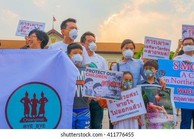 """CHIANG MAI, THAILAND - APRIL 24 : Unidentified people in """"bye bye smog"""" campaign to show their support solving the smog crisis. at Three Kings Monument on April 24, 2016 in Chiang Mai, Thailand."""