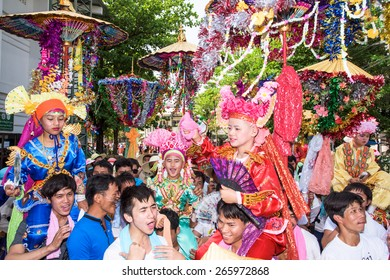 CHIANG MAI, THAILAND - MARCH 29 : Poy Sang Long festival, A Ceremony of boys to become novice monk, parade around township to Ku Tao temple on March 29, 2015 in Chiang mai, Thailand.