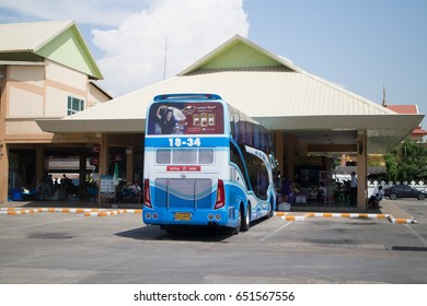 CHIANG MAI, THAILAND -MAY 5 2017:  Srithawong tour company bus route Bangkok and Chiangmai. Srithawong Buid bus in Small Factory in Chiangmai.