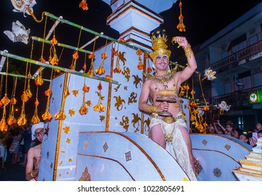 CHIANG MAI , THAILAND - NOV 04 : Participants in a parade during Yee Peng festival in Chiang Mai , Thailand on November 04 2017