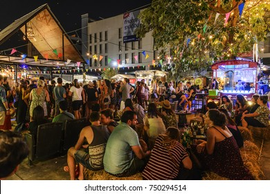 CHIANG MAI, THAILAND - NOVEMBER 3, 2017 : Night Bazaar street food, Unidentified popular tourists to drink and eat fun, shops here are beautifully decorated. Do not miss when you come here, recommend.
