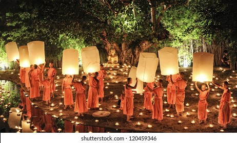CHIANG MAI THAILAND-NOVEMBER 28 : Loy Krathong festival in Chiangmai.Traditional monk Lights floating balloon made of paper annually at Wat Phan Tao temple.on November 28,2012 in Chiangmai,Thailand