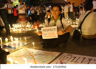 CHIANG MAI,THAILAND-JAN12:People joined activity of anti-coup by write postcard to election commission,write peace word on white ballon and paper& do vigil candle for peace, On Jan12, 2014.