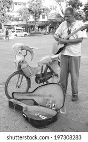 CHIANG MAI,THAILAND-MAY 31: An acoustic street musicians in chiangmai, On May31,2014.
