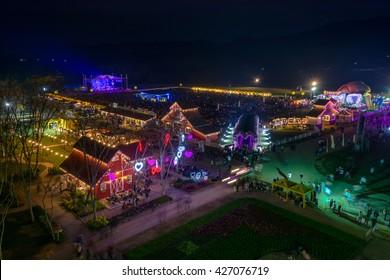 CHIANG RAI, THAILAND - FEBRUARY 14 : Night show hot air balloon at SINGHA PARK CHIANG RAI BALLOON FIESTA 2016 , Chiang rai province, Thailand