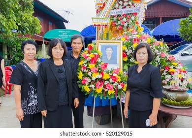 CHIANG RAI, THAILAND - NOVEMBER 19 : unidentified Thai people participating traditional buddhist funeral on November 19, 2016 in Chiang rai, Thailand.